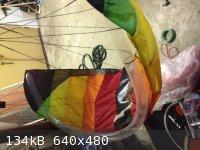 tube kite.JPG - 134kB